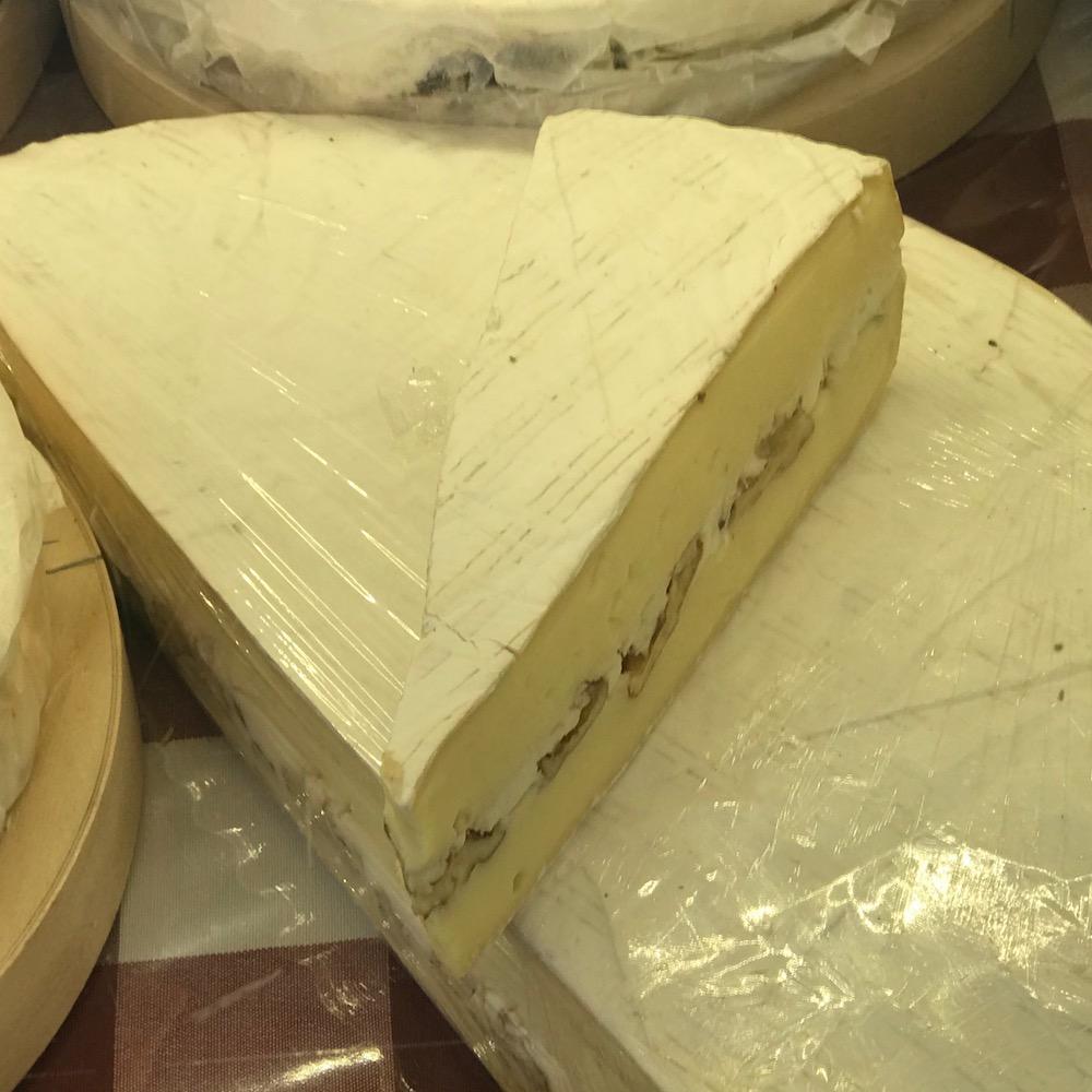Brie au noix maison ( pasteurisé)